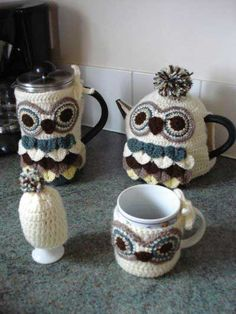 Owl Coffee & Tea Cozies ~ would be so cute done in oranges and browns for Halloween!
