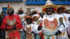 Los Qhapak negro - Groupe folklorique de la fête de la Virgen del Carmen à Paucartambo, juillet 2012 - Points de passage #paucartambo #pérou #pointsdepassage