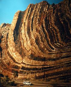 Example of a fold mountain = Folded rock in Namib desert Travel Around The World, Around The Worlds, Namib Desert, Science And Nature, Natural Wonders, Planet Earth, Amazing Nature, Mother Earth, Beautiful World