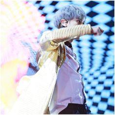 #chanyeol  #silverhair #pcy #parkchanyel #exochanyeol #exo #チャニョル #灿烈 #朴灿烈 #찬열 #박찬열 #kpopstar #Koreanstar #Kpop #kpopidol  #goldjacket