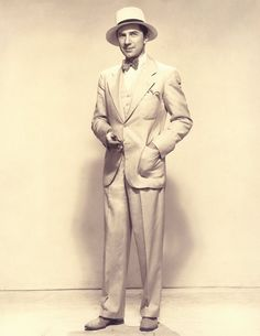 Bela Lugosi, decked out for summer, c. 1930