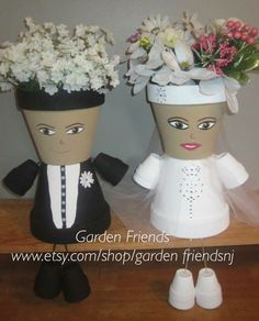 arts and crafts for couples Flower Pot Art, Clay Flower Pots, Flower Pot Crafts, Clay Pot Projects, Clay Pot Crafts, Diy Clay, Flower Pot People, Clay Pot People, Painted Clay Pots