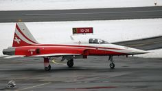 Swiss Air Force Northrop F-5E Tiger IIJ-3089 friendly pilot Fun Fly, Swiss Air, Tiger Ii, Air Planes, Freedom Fighters, Us Air Force, Helicopters, Military Aircraft, Warfare