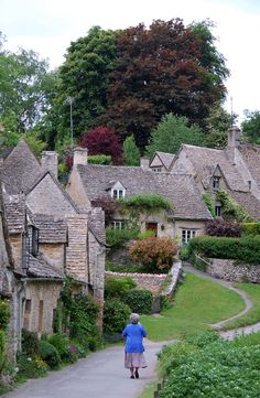 England's Cute and Cozy Cotswolds by Rick Steves