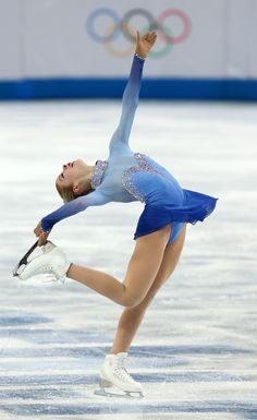 Who says sports and fashion don't mix? Check out the most epic Olympic ice skating costumes of all time. Olympic Ice Skating, Figure Skating Olympics, Figure Skating Outfits, Figure Skating Costumes, Ice Skating Outfits, Winter Olympics 2020, Winter Olympic Games, Winter Games, Tokyo Olympics