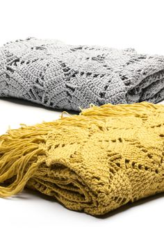 Virkattu päiväpeitto Novita Isoveli tai Hanko -langasta. Crochet Chart, Diy Crochet, Diy Projects To Try, Crochet Projects, Diy And Crafts, Arts And Crafts, Crochet Afgans, Knit Patterns, Crochet Flowers