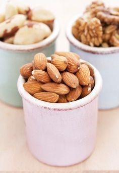 Skip the sugary candy bar and opt for healthy, low-calorie snacks instead. These snacks are easy to prepare and travel with for on-the-go fuel. Healthy Low Carb Snacks, Get Healthy, Healthy Tips, Healthy Choices, Healthy Recipes, Protein Snacks, High Protein, Healthy Heart, Protein Breakfast