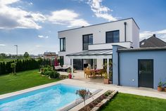Familie Auer-Germann hat sich mit WimbergerHaus in Ebergassing ihr Traumhaus verwirklicht. Style At Home, Mansions, House Styles, Interior, Home Decor, Modern Townhouse, Homes, House, Pictures