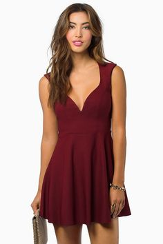 Tobi Valentina Skater Dress. Sign up today to discover Trendy Dresses! Huge selection with new styles added each and every day! At Tobi.com you'll find something special every day of the week! 50% off on the first order!