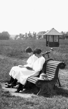 Frinton-on-Sea, Women Reading, 1921