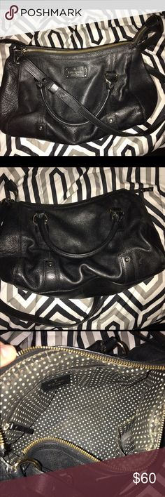 Kate spade crossbody Worn Kate spade cross body, has wear on inside only! (Shown in pictures) outside is in good condition. Never used, only traded with a girl through posh. Crossbody strap is adjustable, cannot be taken off, also can be used a handbag kate spade Bags Crossbody Bags