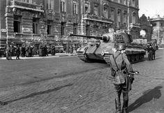Танк Pz.Kpfw.VI Ausf.B №234 503-го тяжелого танкового батальона на улице Будапешта