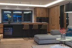 Villa, Conference Room, Kitchen, Table, Furniture, Home Decor, Penthouse Apartment, Real Estate Agents, Farm Cottage