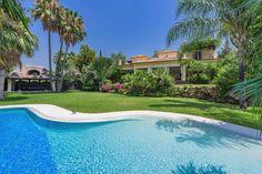 5-bed-Detached Villa for Sale in El Paraiso