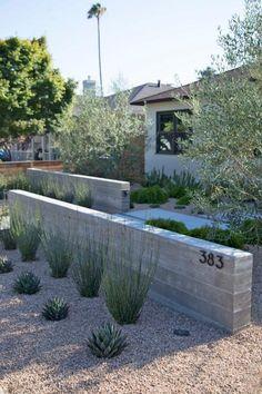 Landscape Lighting Design, Landscape Design Plans, Landscape Architecture Design, Landscape Walls, House Landscape, Modern Front Yard, Front Yard Design, Modern Landscaping, Backyard Landscaping