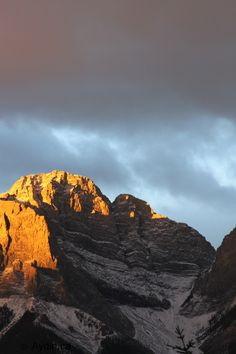 Sunrise on Rundle Mountain in Canmore, Alberta #Canmore
