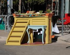 """Barkitecture"" this is one of the coolest dog houses we've ever seen!"