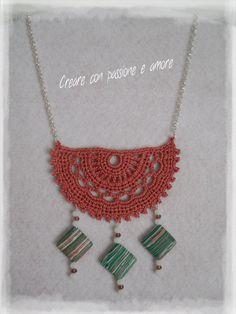 Collana ad uncinetto con pietre e mezzi cristalli by https://www.facebook.com/creareconpassioneeamore/ … … #crochet #handmade #necklace #jewelry