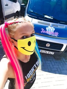 Mintás szájmaszk a Nevesajándék Webshop oldalán! :) #szájmaszk #viccesszájmaszk #mintásszájmaszk #nevesajándék #harleyquinn Minion, Harley Quinn, Round Sunglasses, Marvel, Fashion, Moda, Round Frame Sunglasses, Fashion Styles, Harley Quin