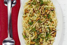 Spagetti med vitlök, persilja och musslor