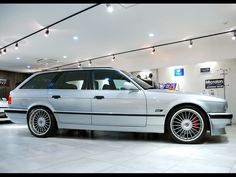 Alpina B10 4.6 touring (E34) | Classic Cars Dealer Garage Current Co., LTD.