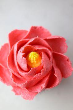 Meringue Powder Buttercream Flowers