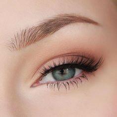 Alltäglicher Glam Make-up Look! Tarte Kosmetik Tartelette Palette Make-up Geek Augen .- - Alltäglicher Glam Make-up Look! Tarte Kosmetik Tartelette Palette Make-up Geek Augen . Make Up Geek, Makeup Inspo, Makeup Inspiration, Makeup Ideas, Makeup Eyeshadow, Makeup Brushes, Drugstore Makeup, Green Eyes Eyeshadow, Pastel Eyeshadow
