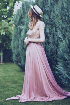 SINESTEZIC.COM | You are beautiful just the way you are. | Long silk elegant dress | Maxi silk evening dress | Pink maxi silk evening dress | Elegant silk gown | Long silk evening gown #Sinestezic #SinestezicQueens #eveningdresses #romaniandesigner Silk Evening Gown, Long Evening Gowns, Silk Gown, Elegant Gown, Elegant Maxi Dress, Pink Maxi, Pink Dress, Midi Cocktail Dress, Gowns Of Elegance