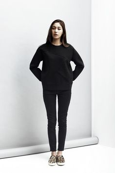 LOOKAST  CHAPTER #2 -Black neoprene sweat shirt