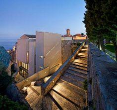 l'escalier du jardin en nocturne