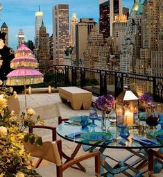 Amazing roof terrace with a stunning patio umbrella from Oriental Umbrellas Garden Parasols, Patio Umbrellas, Patio Gardens, Terrace Garden, Penthouse Garden, Outdoor Garden Furniture, Outdoor Decor, Roof Terraces, Garden Design