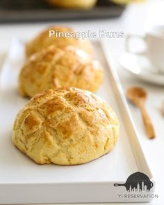 {Recipe} These golden crispy Hong Kong Pineapple Buns are absolutely to die for! #pineapplebun #pastry #港式菠蘿包