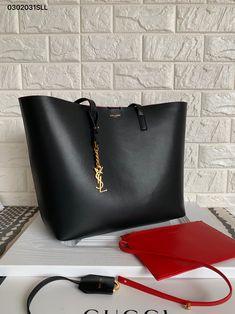 Laurent ** large tote bag, very classy Designer Totes, Designer Handbags, Ysl Saint Laurent, Ysl Bag, Givenchy Tote Bag, Black Tote Bag, Black Tote Handbag, Looks Chic, Luxury Bags