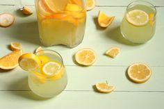 Domácí citronáda | Recepty.Blesk.cz Cantaloupe, Smoothies, Pudding, Fruit, Drinks, Desserts, Food, Lemon, Smoothie