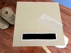 Tutorial to make an inexpensive, easy DIY gift card box. Perfect for a wedding or shower! Wood Card Box, Diy Card Box, Wedding Gift Card Box, Gift Card Boxes, Wedding Boxes, Diy Box, Diy Cards, Diy Wedding, Wedding Gifts