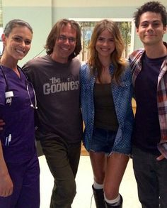 Teen Wolf bts - melissaponzio1: BTS #TeenWolf ::: Never Letting Go!!! This was a fun day…Our good friend JD Taylor was our director for this episode…and if I had @shelleyhennig's legs I'd walk everywhere I went!! #LegsForDays…and who's the handsome guy on the end? ;)