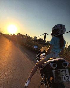 Motorcycles, bikers and Lady Biker, Biker Girl, Super Bikes, Motorbike Girl, Motorcycle, Girl Motorcyclist, Biker Photography, Motocross Love, Bike Photoshoot
