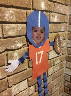 Football kids craft, super bowl, denver broncos, preschool preschool + home Football Themes, Football Art, Football Field, Football Crafts Kids, Kids Sports Crafts, Toddler Crafts, Preschool Crafts, Crafts For Kids, Preschool Themes