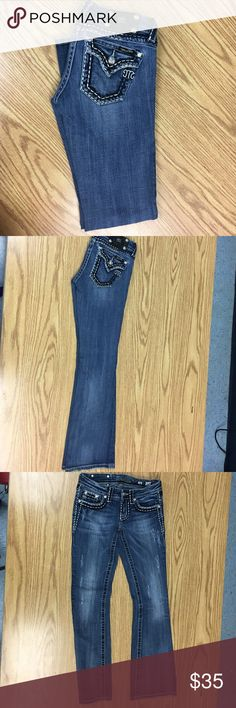 Women's jeans Miss Me jeans in excellent condition Miss Me Jeans Boot Cut