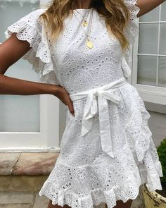 Image may contain: one or more people and people standing Outfits Casual, Cute Summer Outfits, Casual Dresses, Fashion Dresses, Summer Dresses, Grad Dresses, Cute Dresses, Short Dresses, Confirmation Dresses