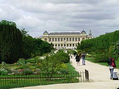 The Paris Botanical Garden-Jardin des Plantes has some buildings that we cannot hope to rival at the UC Botanical Garden. It's also a few hundred years older.