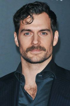 Superman Cavill, Henry Superman, Henry Cavill Justice League, Black Hair Cuts, Steve Prefontaine, Henry Williams, Interesting Faces, Beard Styles, Moustache