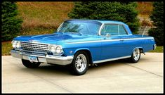 62 Chevy Impala - used to have one. Chevrolet Impala 1963, Chevy Impala Ss, Chevrolet Corvette, 64 Impala, Chevy Classic, Classic Cars, Lowrider, Supernatural Impala, Chevy Muscle Cars