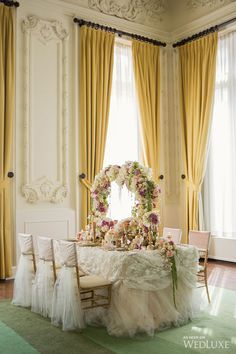 We're completely enchanted with this styled shoot! | The fairytale-like photo shoot features the work of some top-notch creative professionals in Toronto | Photography By: Dave Abreu Photography