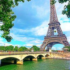 パリに来たら一番ところへ行けないとはエイフェル塔!  Roland Garos の時に撮った写真です #旅行