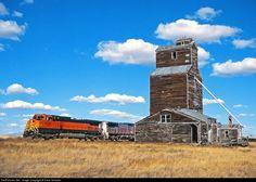 RailPictures.Net Photo: BNSF 4783 Burlington Northern Santa Fe GE C44-9W (Dash 9-44CW) at Lothair, Montana by Dave Schauer