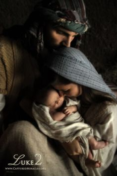 """"""" Car le Fils de Dieu s'est fait homme pour nous faire Dieu """" (S. Athanase, inc. 54, 3 : PG 25, 192B). """" Le Fils unique de Dieu, voulant que nous participions à sa divinité, assuma notre nature, afin que Lui, fait homme, fit les hommes Dieu """""""