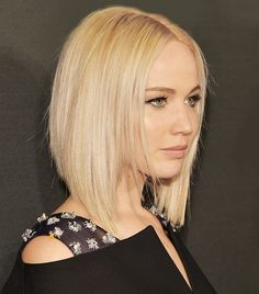 66 Chic Short Bob Hairstyles & Haircuts for Women in 2019 - Hairstyles Trends Bob Haircut For Round Face, Bob Hairstyles For Round Face, Haircuts For Medium Hair, Blonde Bob Hairstyles, Medium Hair Cuts, Medium Hair Styles, Short Hair Cuts, Short Hair Styles, Drew Barrymore Haare
