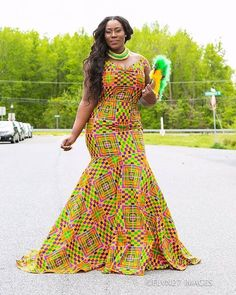Kitenge designs 2019 that will stand us out when we rock them. There is no restriction on what you can do with this fabric that is universally accepted. Ghana Fashion, African Dresses For Women, African Print Dresses, African Print Fashion, Africa Fashion, African Attire, African Wear, African Fashion Dresses, Party Dresses For Women
