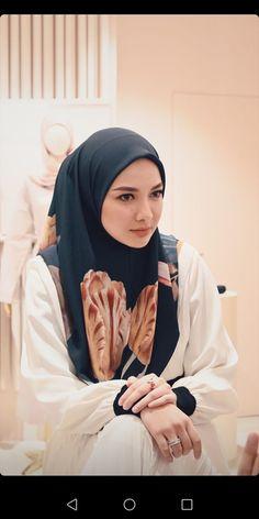 Fashion Muslimah, Modest Fashion, Hijab Fashion, Casual Hijab Outfit, Hijab Dress, Casual Outfits, Hijab Style Tutorial, Islamic Girl, Girl Hijab